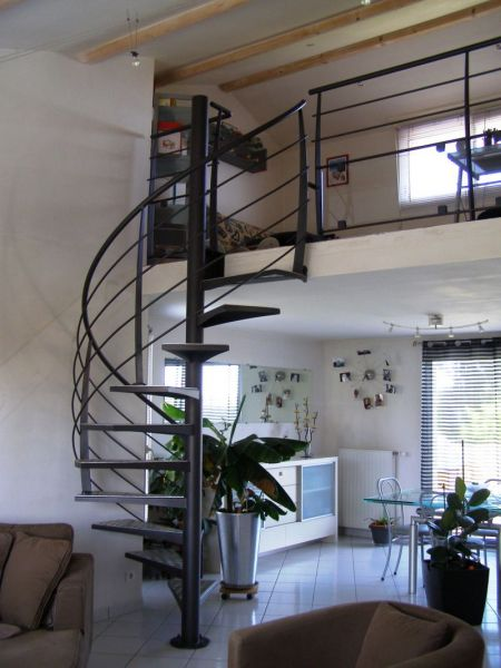 Constructeur escalier sur mesure vend e 85 m tallerie for Escalier interieur pas cher